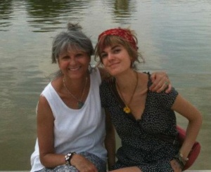 kelsey-mom-tuileries-sm